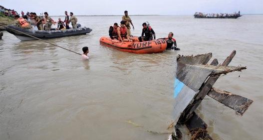 Ấn Độ: Tàu chở 40 học sinh bị lật trên biển, ít nhất 4 người thiệt mạng