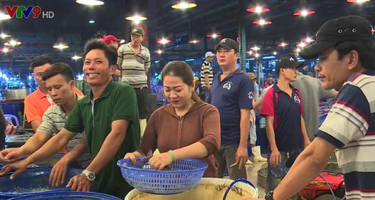 Đảm bảo an toàn thực phẩm dịp Tết tại các chợ đầu mối TP.HCM