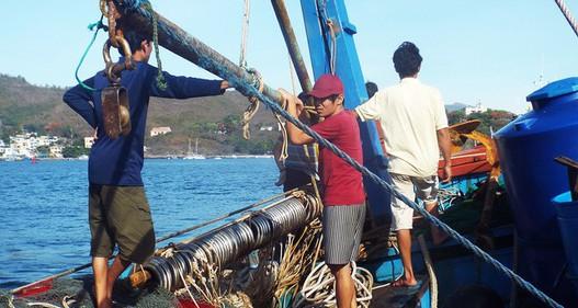 Nhiều rủi ro từ việc chuộc ngư dân bị bắt thông qua trung gian