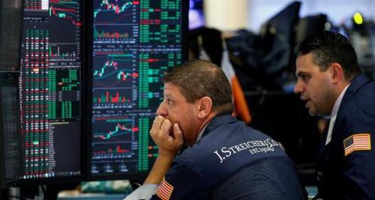 Nguyên nhân nào khiến thị trường chứng khoán bị thổi bay hàng tỷ USD?