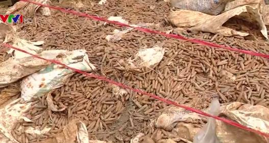Người dân giao nộp gần 6 tấn vật liệu nổ