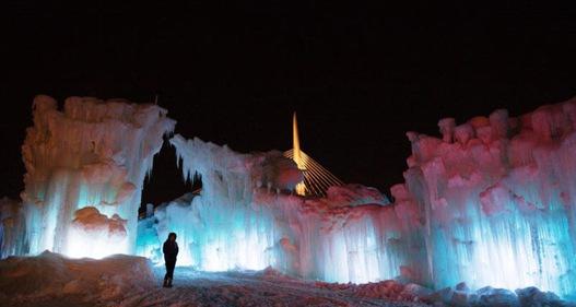 Chiêm ngưỡng lâu đài băng tại Winnipeg