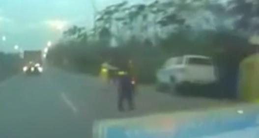 Lái xe chống đối, lao thẳng vào CSGT gây tai nạn