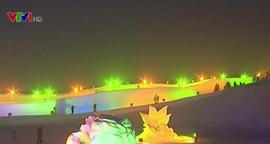 Choáng ngợp với lễ hội băng tuyết độc đáo ở Trung Quốc