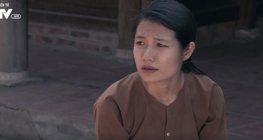 Tập 22 phim Thương nhớ ở ai: Nghĩa đi bộ đội, Hạnh quỳ mọp xin được phụng dưỡng bố mẹ chồng