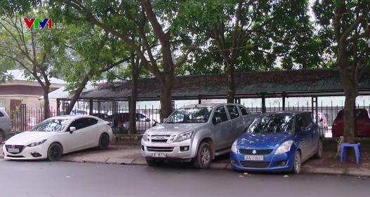 Bãi trông giữ xe trái phép ngang nhiên hoạt động ở Thủ đô
