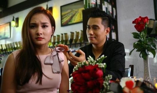 """Việt Anh hé lộ cảnh """"nóng"""" cùng Bảo Thanh trong Sống chung với mẹ chồng"""