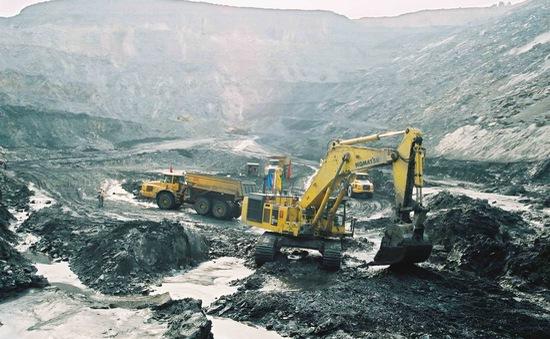 Ngành than cần giải pháp mạnh để chặn đà suy giảm