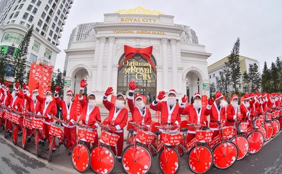 """Đón Giáng Sinh diệu kỳ tại """"Xứ sở"""" Vincom"""