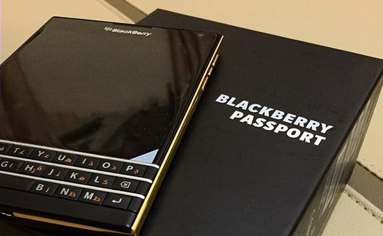 Chiêm ngưỡng BlackBerry Passport phiên bản Gold Edition
