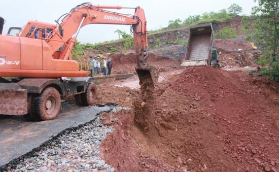 Vỡ đập ở Quảng Ninh: Đã nối trở lại 25m đoạn vỡ