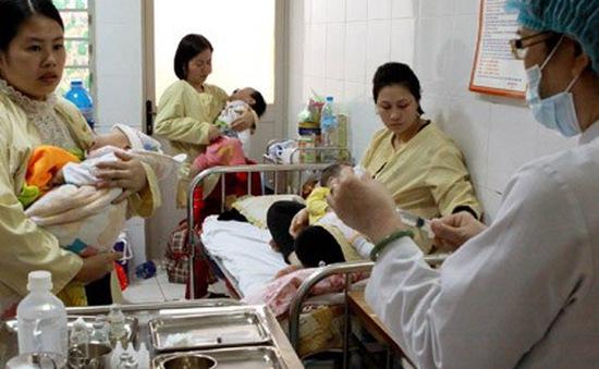 Hà Nội: Hơn 20 trẻ sốt phát ban nghi sởi nhập viện