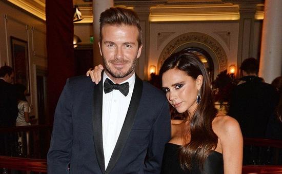Sau tai nạn, Beckham cùng vợ tỏa sáng trên thảm đỏ