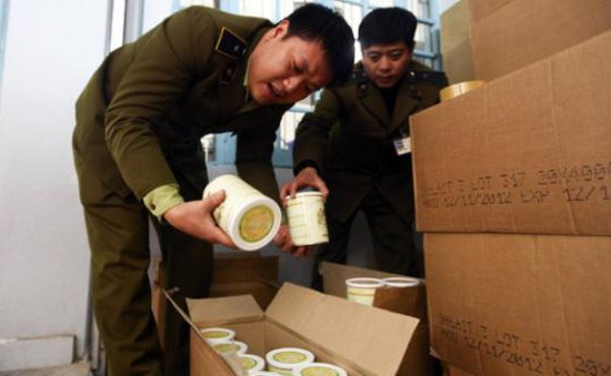 Xét xử sơ thẩm vụ Chi cục QLTT Hà Nội bị kiện vì sữa dê Danlait