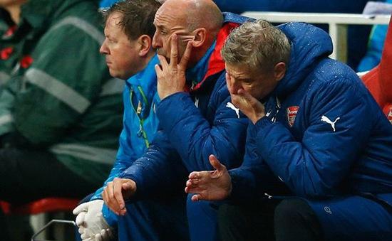 """HLV Wenger """"muối mặt"""" vì trận hòa xấu hổ của Arsenal tại Emirates"""