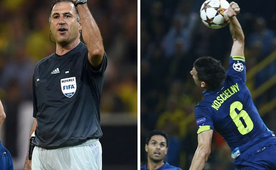 Hài hước: Ra sân với... 12 cầu thủ, Arsenal vẫn thua muối mặt trước Dortmund
