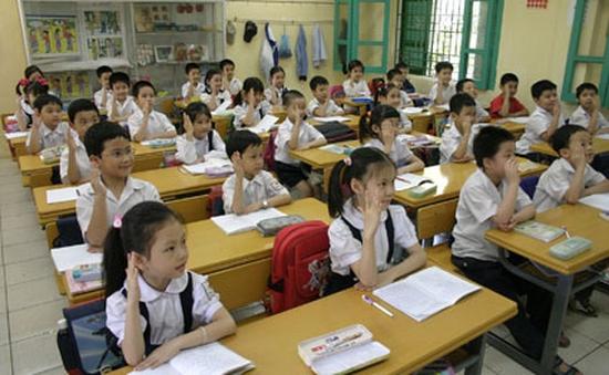 """Cấm giao bài tập về nhà: Giáo viên băn khoăn về các học sinh """"đuối"""""""