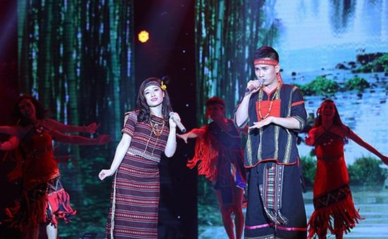 Cặp đôi hoàn hảo: Hà Duy – Dương Hoàng Yến bất ngờ bứt phá với Rock