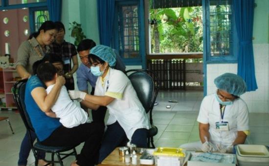 Đồng Tháp: Tiêm lại vaccine cho 60 trẻ bị tiêm nhầm nước cất