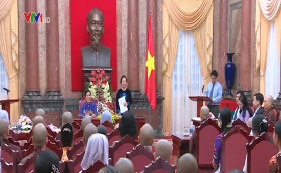 Phó Chủ tịch nước tiếp nữ chức sắc tôn giáo tiêu biểu