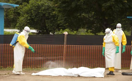 Đông Á tăng cường phòng dịch Ebola