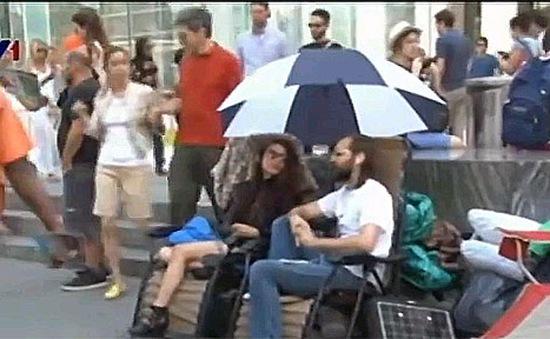 Tín đồ Táo khuyết tại New York phát cuồng vì iPhone 6