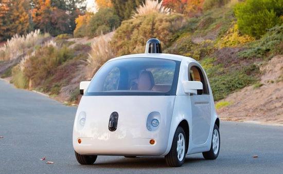 Google hoàn thành mẫu xe tự lái đầu tiên