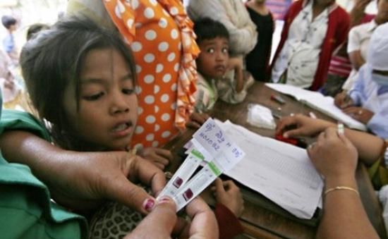 Campuchia xét xử vụ bác sĩ gây nhiễm HIV cho 106 người