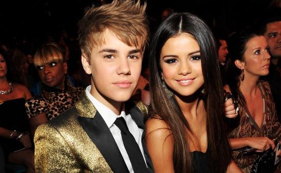 Justin – Selena sống chung một mái nhà?