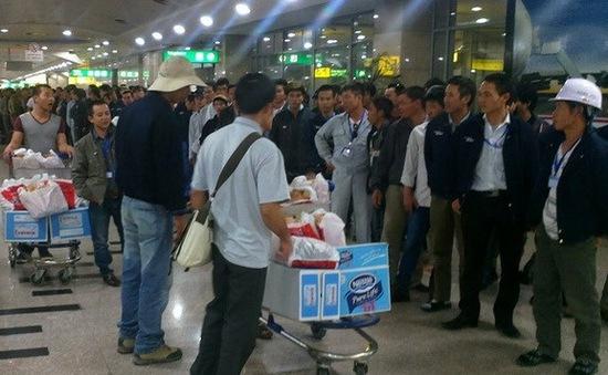 Thêm 38 lao động Việt Nam rời Libya về nước