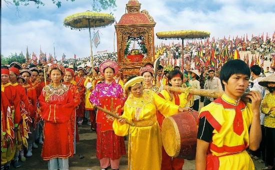 Bán chiếu cói - Nét văn hóa độc đáo Chợ hội Kiếp Bạc