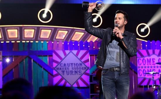Luke Bryan thắng đậm tại American Country Countdown Awards 2014