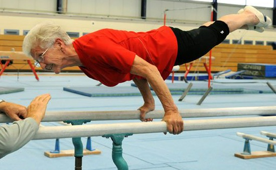 Hai cụ già gần 100 tuổi lập kỉ lục trên thế giới