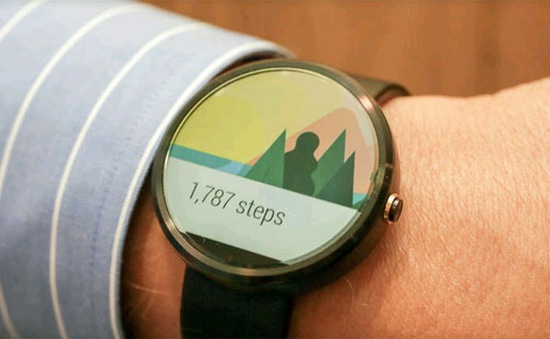"Moto 360 ""so tài"" cùng G Watch R, Gear S"