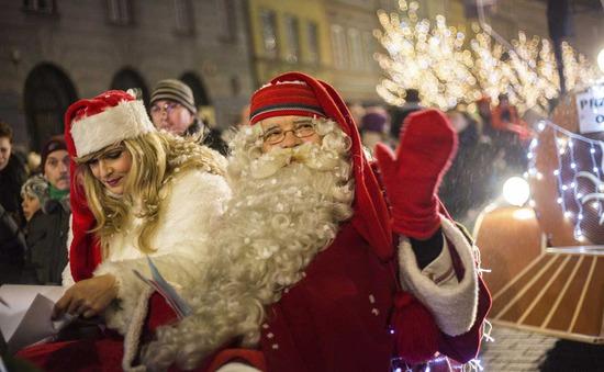 Không khí đón Giáng sinh trên thế giới