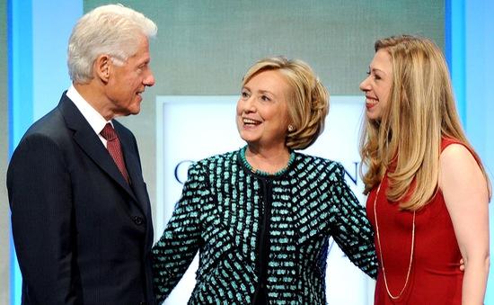 Cựu Tổng thống Mỹ Bill Clinton đã lên chức ông
