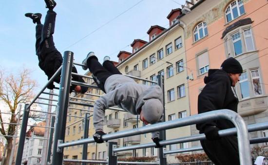 TP.HCM: Bùng nổ phong trào tập thể hình đường phố