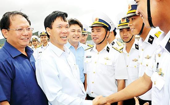 Đoàn đại biểu TP.HCM thăm lữ đoàn 189 quân chủng Hải quân
