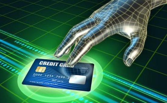 """Hacker """"làm loạn"""", người Mỹ sợ... thẻ tín dụng"""