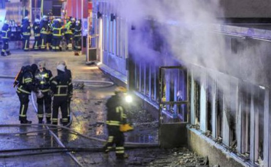 Thụy Điển: Nhà thờ Hồi giáo bị phóng hỏa, nhiều người bị thương