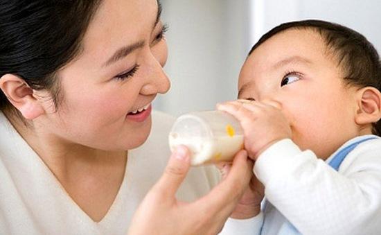 7 lời khuyên chế độ sữa hợp lý cho trẻ