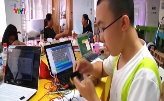 Phong trào tự chế thu hút giới trẻ Trung Quốc