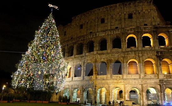 Người Italy ngày càng thắt lưng buộc bụng trong dịp Giáng sinh