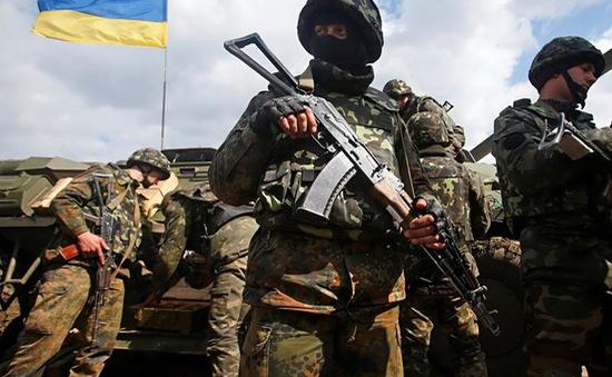 Quân đội Ukraine kéo dài lệnh ngừng bắn tại miền Đông