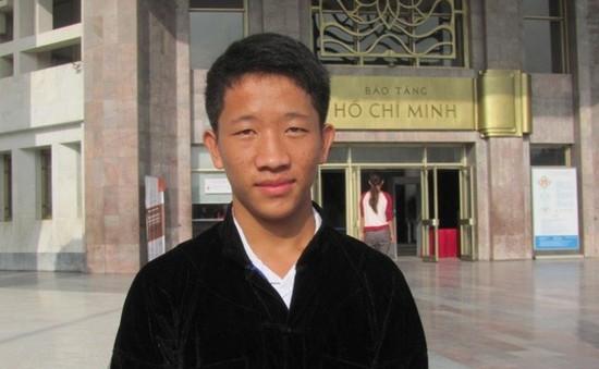 Gặp gỡ cậu thanh niên H'Mông đầu tiên đạt giải nhì quốc gia môn Sử