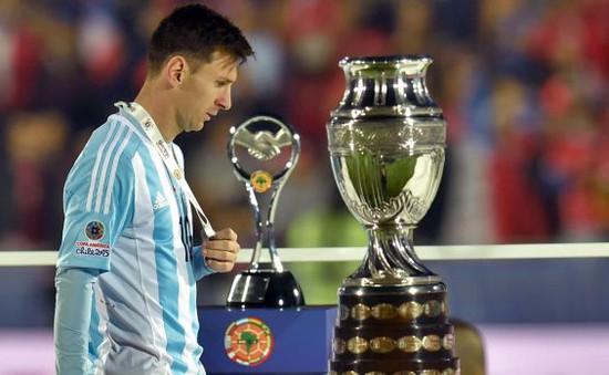Messi lần đầu giãi bày sau thất bại cay đắng ở Copa America 2015