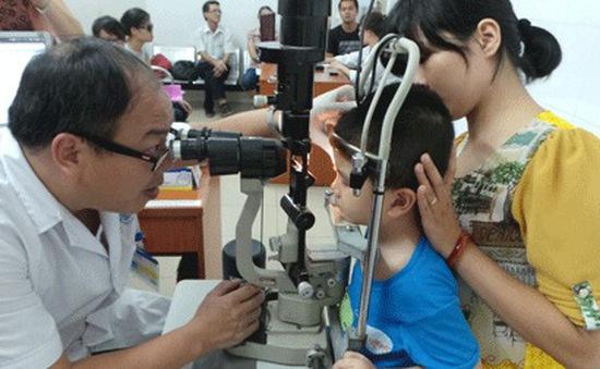 Bắt đầu xuất hiện bệnh đau mắt đỏ ở miền Bắc