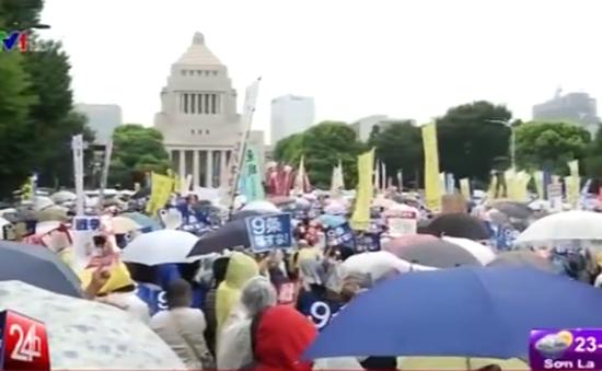 Nhật Bản: Biểu tình rầm rộ phản đối dự luật an ninh gây tranh cãi