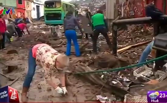 Chile tiếp tục hứng chịu dư chấn mạnh sau động đất
