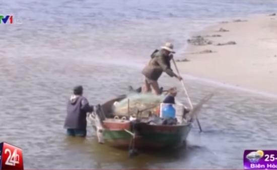 Thừa Thiên Huế: Cửa biển bị bồi lấp, ngư dân điêu đứng